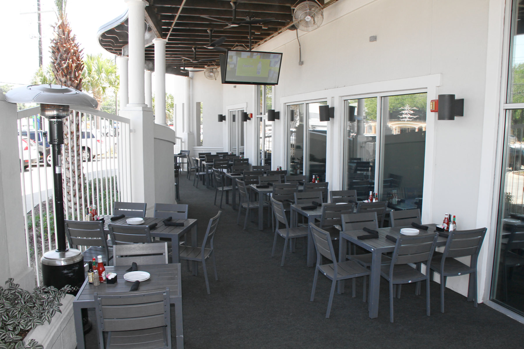 Patio area at Drago's Seafood Restaurant in Lafayette