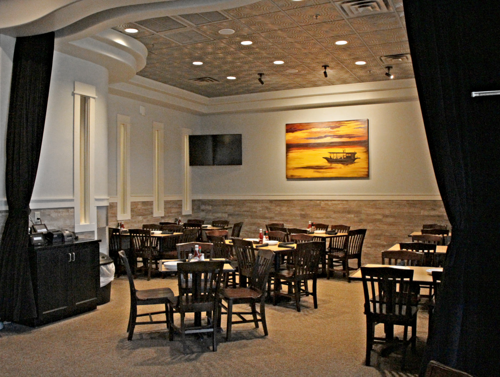 Private dining room at Drago's Seafood Restaurant in Lafayette